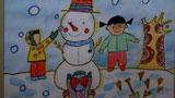 和雪人玩耍