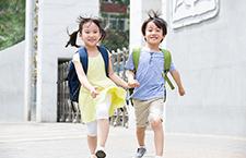 4招挑选好书包 帮孩子减压