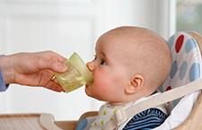 夏季宝宝应该喝多少水 妈妈要自己掂量