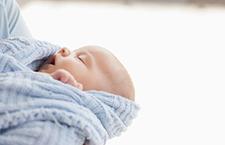 五个妙招缓解 新生儿便秘