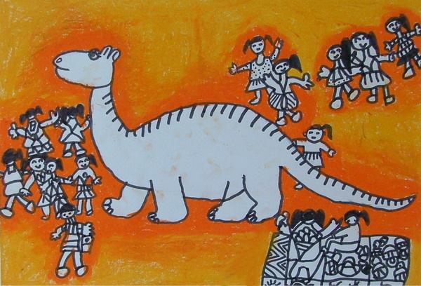小朋友们,你们知道吗?恐龙是所有爬行动物中体格最大的一类,很适宜生活在沼泽地带和浅水湖里,早在几千年前,那时候的空气温暖而潮湿,食物也很容易找到,所以恐龙在地球上统治了几千万年的时间。后来又因为气候变化,慢慢灭绝了,所以我们要爱护环境,保护动物哦。