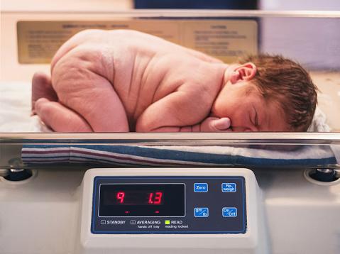 正确测量宝宝体重的方法