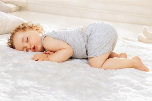 宝宝长痱子的症状