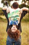 摄影师镜头记录父亲与孩子亲密瞬间