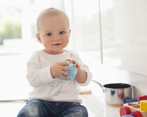 婴儿长痱子怎么护理