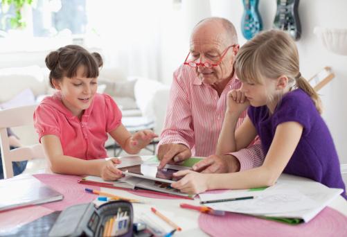 家长速了解 隔代教育是什么