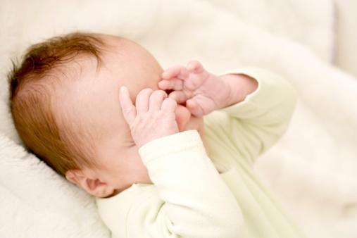 何时给新生儿洗澡