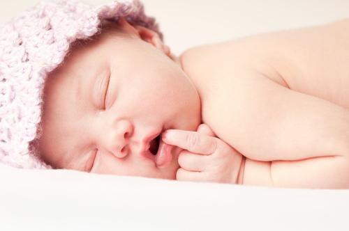 新生儿睡眠少怎么办