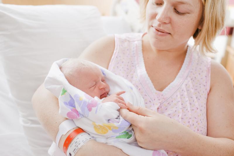 什么是新生儿脐疝