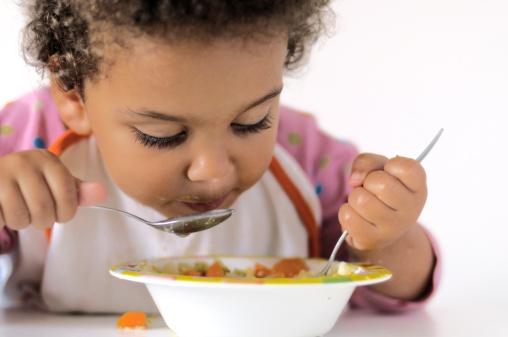 婴儿辅食什么时候添加 四个不同阶段添加辅食营养