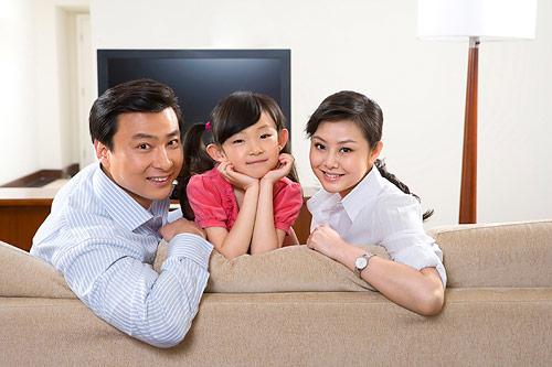 孩子看电视的危害多 正确引导有妙招