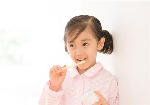 孩子刷牙出血用什么牙膏