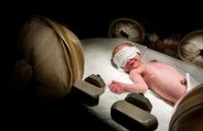 早产儿视网膜病变筛查怎么做 冷凝或激光治疗