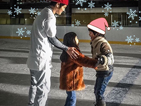 曹格儿子和女儿圣诞探班