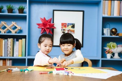 宝宝学画画时家长的禁忌多 学会引导是关键