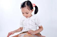 幼儿早期阅读的好处有哪些 帮助大脑的发育