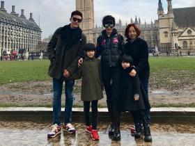 陆毅携妻子两女游伦敦