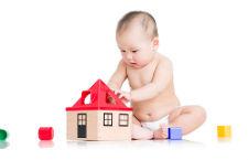 哪些行为可以帮助婴儿大脑发育 有以下2点