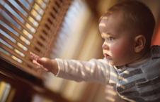 这个冬天 再冷也要给宝宝房间开窗