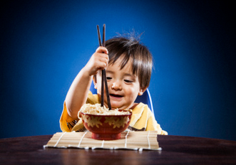 创造宝宝用筷子的环境 家长们切记3要点