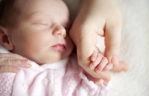 新生儿需要哪些营养 这些营养都是宝宝生长所需