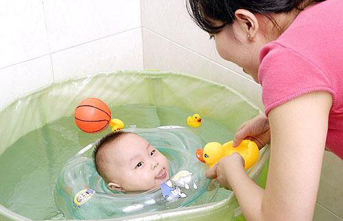 宝宝学游泳的安全卫生常识 9个常识父母要知道