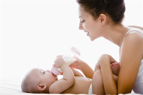 让宝宝吃奶粉的妙招