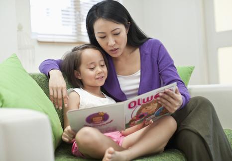 早教知识必看 宝宝什么时候听得懂故事
