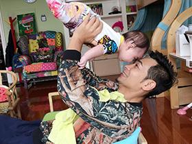 赵文卓女儿打疫苗只哭一下