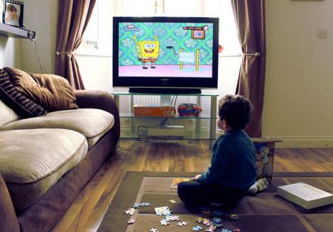 家长们需警惕 多大的孩子可以看电视