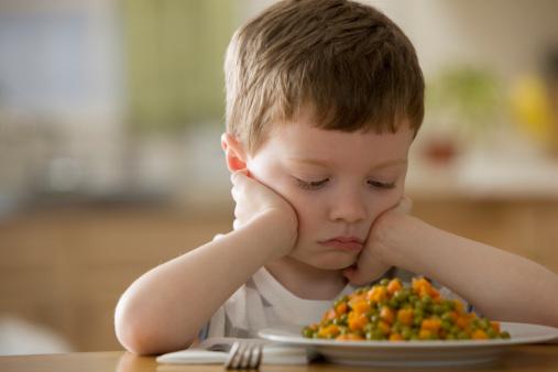 夏天孩子不爱吃饭怎么办 找准原因巧处理
