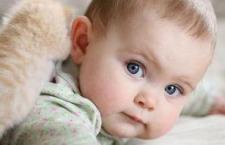宝宝溢奶和吐奶 改善宝宝吐奶的方法
