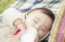辅食与母乳、配方奶的区别 麻麻你会吗