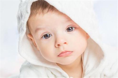如何看懂宝宝的大便