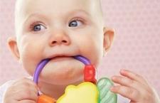 让宝宝顺利度过长牙期的护理方法 从四个方面做起