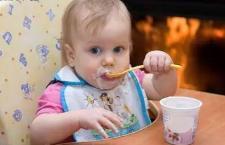 多大的宝宝可以喝酸奶 妈妈要听听专家的建议