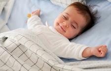宝宝如何睡觉更健康?想要睡的好,睡姿很重要