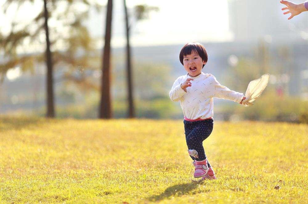 宝宝学跑时的几个小步骤 宝妈不能忽略了