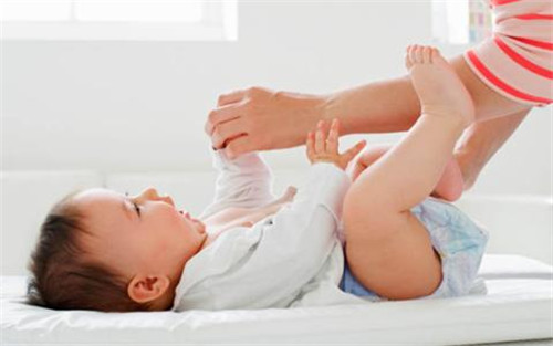 巨大儿对母婴的伤害大 预防方法早学好