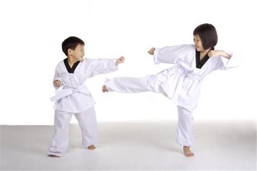 跆拳道 3岁幼儿可练?